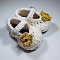 Crochet rose baby booties, antique ivory cotton wtih yellow rose, ready to ship